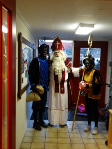 Foto's bezoek Sinterklaas aan De Lichtstraal